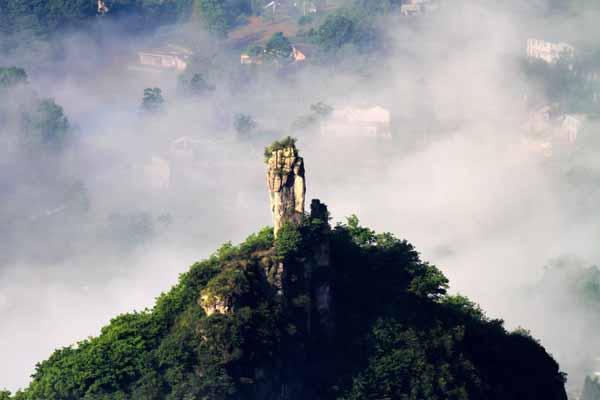 黄鹤桥峰林峡谷