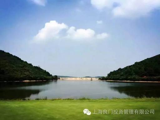 图三为基地的白马湖湖光山色